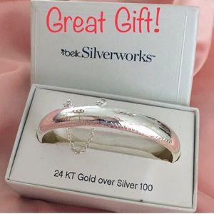 BNWT Silver Bangle Bracelet